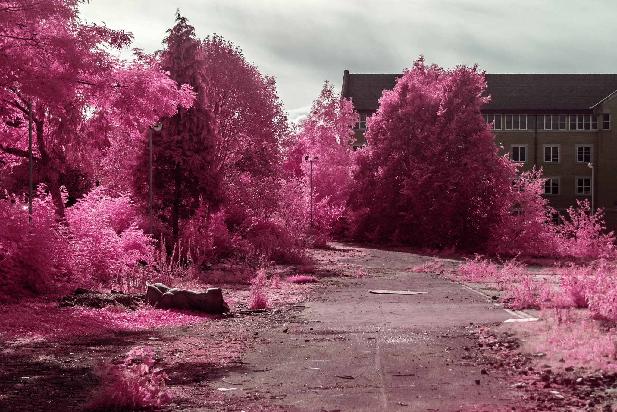 Kodak EIR Colour Infrared, Edgelands, Wasteland, Out of sight,  Sofa